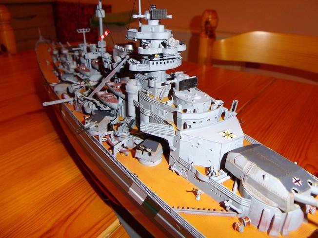 "Battleship ""BISMARCK"" 1/350 Revell - Page 2 10-3cd2d29"