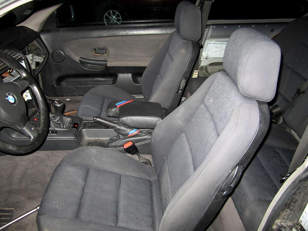 Achat d'un petit E36 coupé 318is Img_1471-3a62649