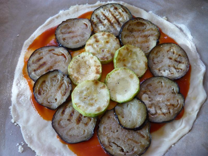 la pizza du jour ,  courgettes et aubergines ... Pizza-du-20-f-vrier-021-3c09e58